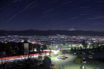 フルーツパークより甲府盆地の夜景を望む