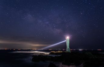 安房埼灯台の夜